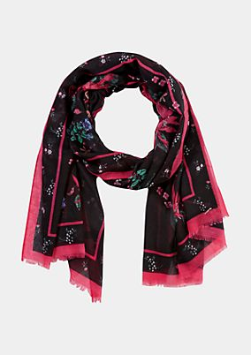 Delicate scarf with a decorative pattern from comma