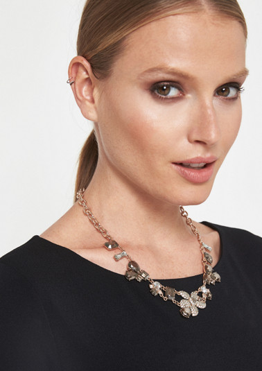 Elegant necklace with gemstone pendant from comma