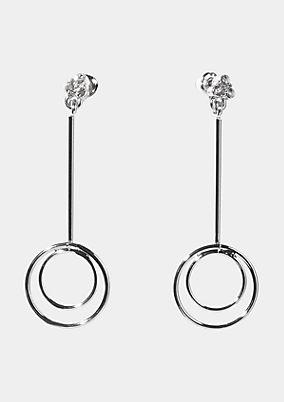 Ohrringe mit Ringverzierungen