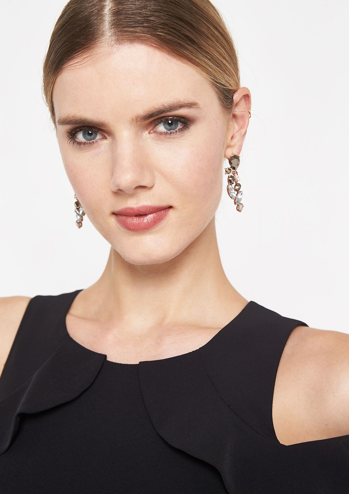 Earrings with sparkling rhinestones from comma