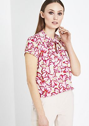 Short sleeve blouse with a decorative all-over pattern from comma