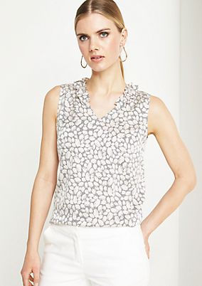 Lightweight satin top with an all-over pattern from comma