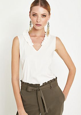 Summery blouse top with a ruffle embellishment from comma
