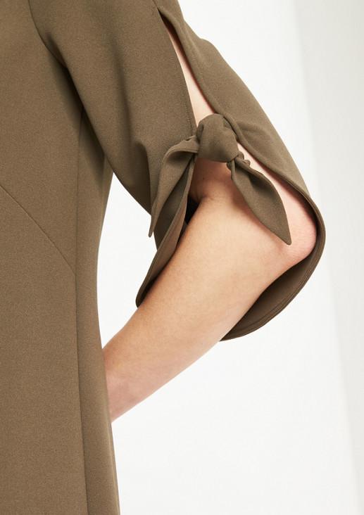 3/4-Arm Kreppkleid mit raffinierten Details