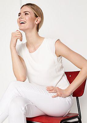 Elegantes Kurzarmshirt im Materialmix
