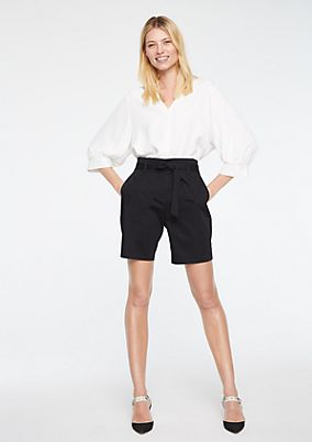 Shorts with a wide fabric belt from comma