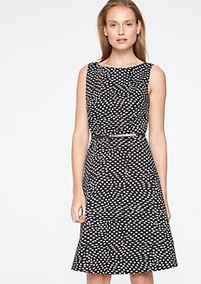 Business dress with an exciting all-over print from comma