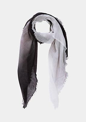 Tuchschal mit raffiniertem Farbverlauf