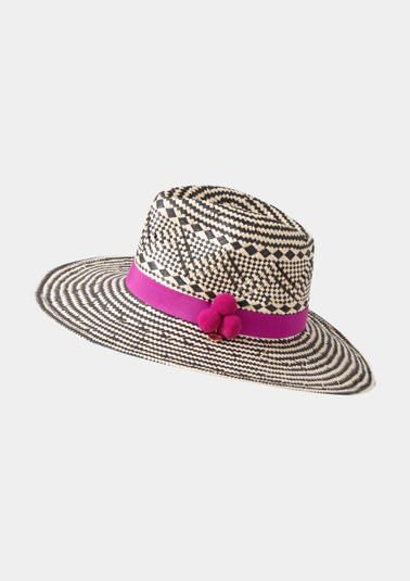 Classic straw hat in a two-tone look from comma