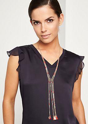 Mehrfach gelegte Halskette mit Quastenverzierungen