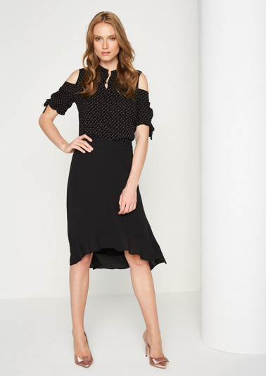Delicate crêpe skirt with decorative details from comma