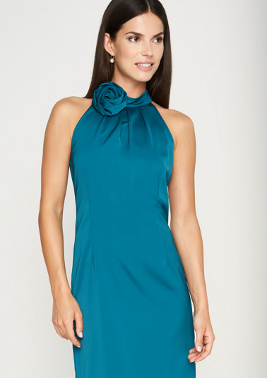 Elegant satin dress with a decorative brooch from comma
