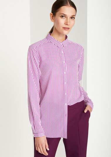 Delicate chiffon blouse with sophisticated details from comma