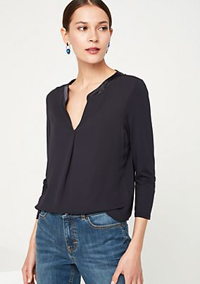 Kurzarm-Jerseyshirt im Materialmix