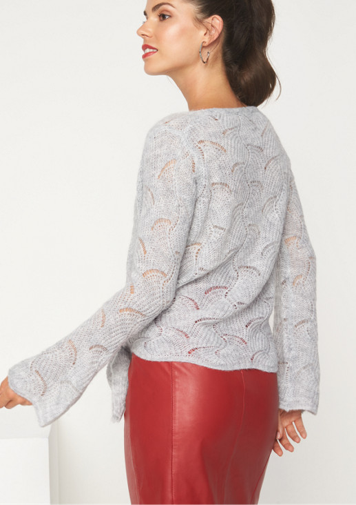 Delicate jumper with a decorative knit pattern from comma