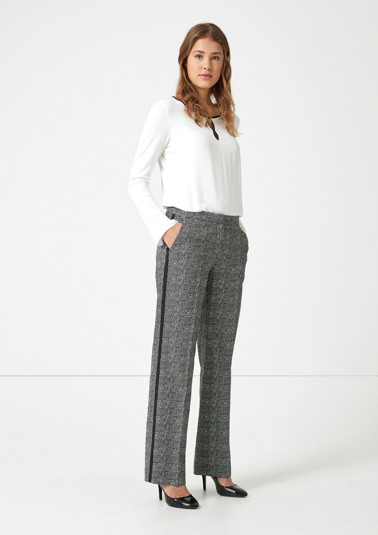 Business trousers with accents from comma