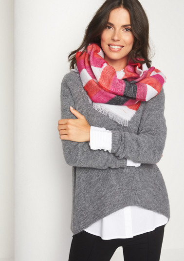 Soft knit scarf with a stripe pattern from comma