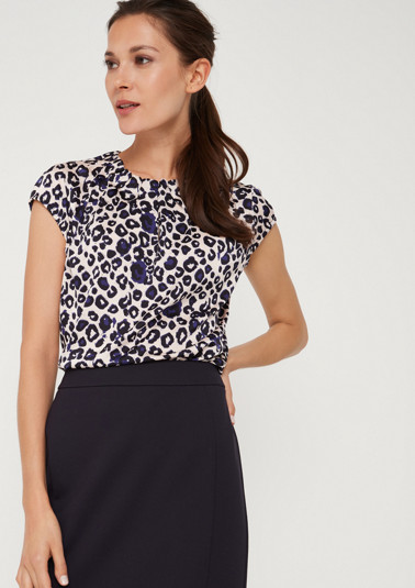 Blouse top with a frilled collar from comma