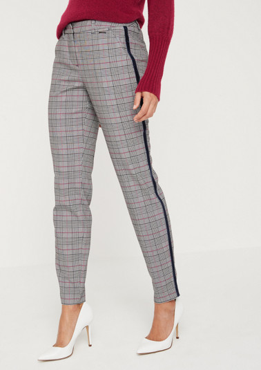 Extravagant business trousers with a check pattern from comma