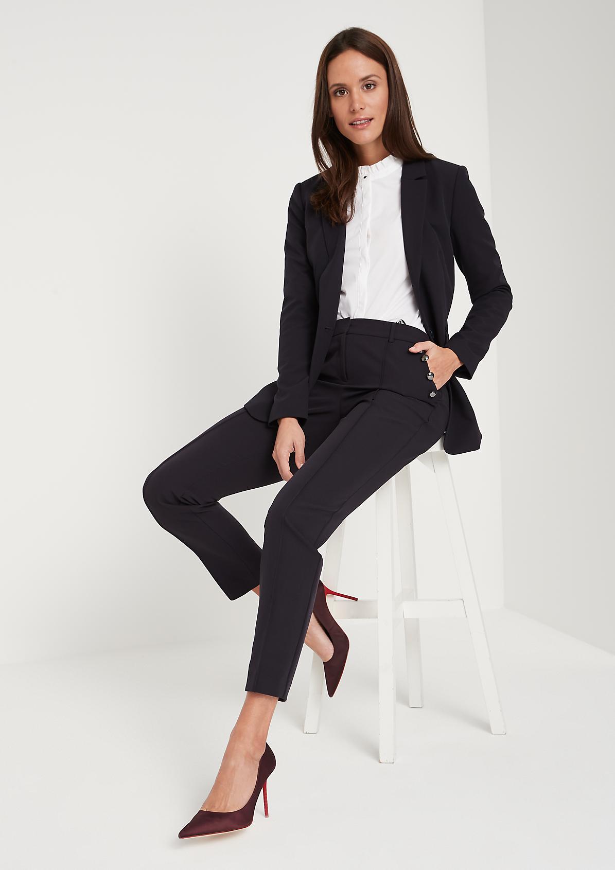 Elegante Businesspants mit Zierknöpfen