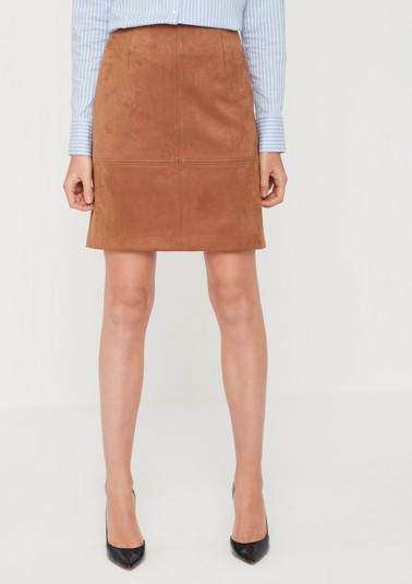 Short skirt made of faux leather from comma