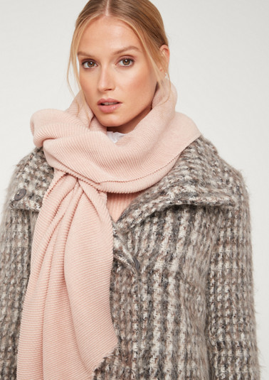 Knit scarf in a ribbed look from comma