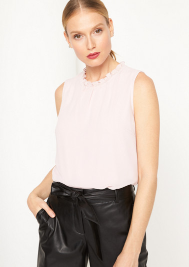 Delicate crêpe top with ruffles from comma