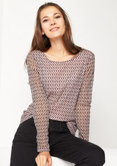 Delicate mesh top with a minimalist pattern from comma