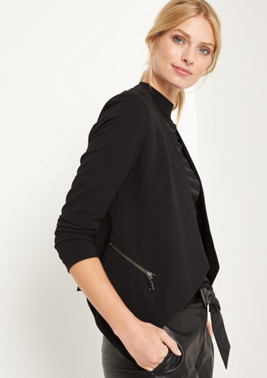 Short business blazer with smart details from comma