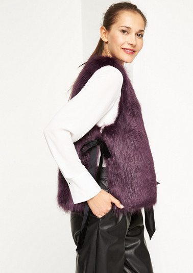 Faux fur vest with velvet ribbon from comma