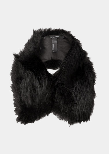 Faux fur scarf from comma