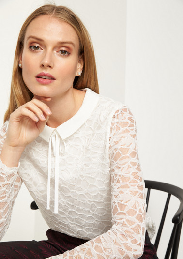 Delicate lace top with long sleeves from comma