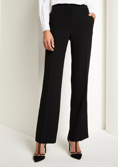 Elegant crêpe trousers with fine details from comma