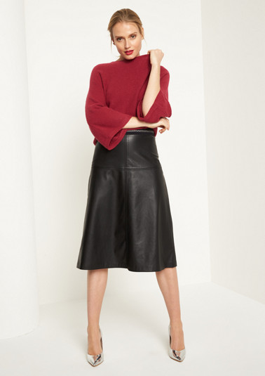Casual skirt made of soft faux leather from comma