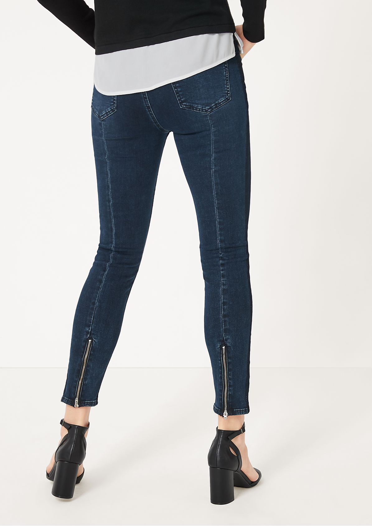 Jeans in Used-Waschung