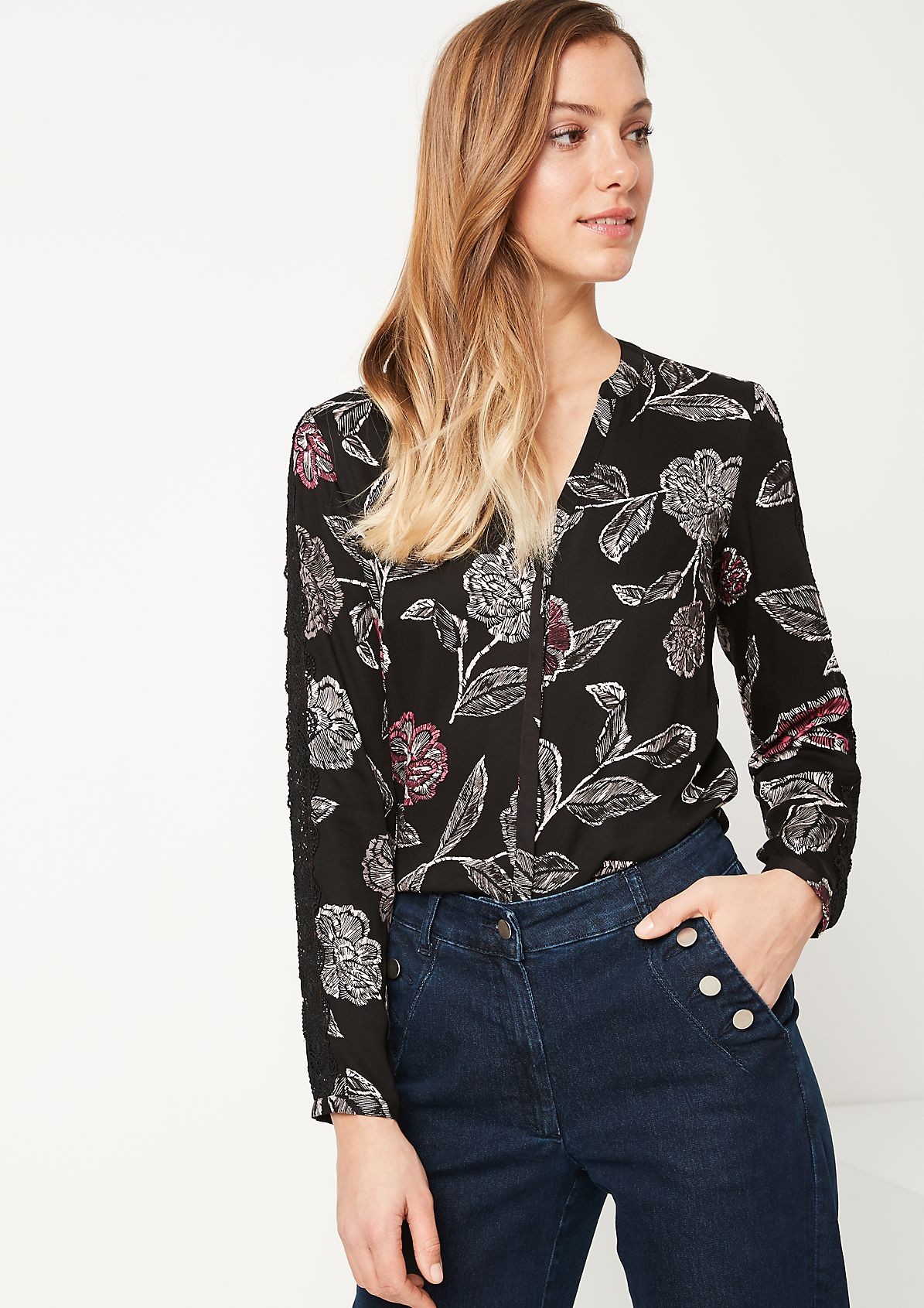 Extravagant blouse with decorative lace from comma