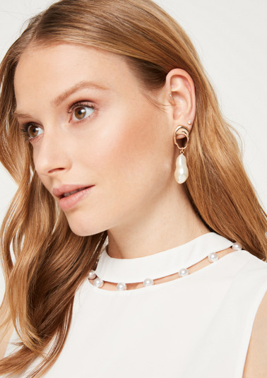 Top en crêpe très fin orné de perles de Comma