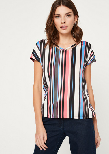 Short sleeve T-shirt in an exciting mix of materials from comma