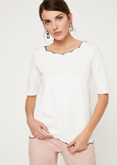 Shirt mit feinen Kontrastdetails