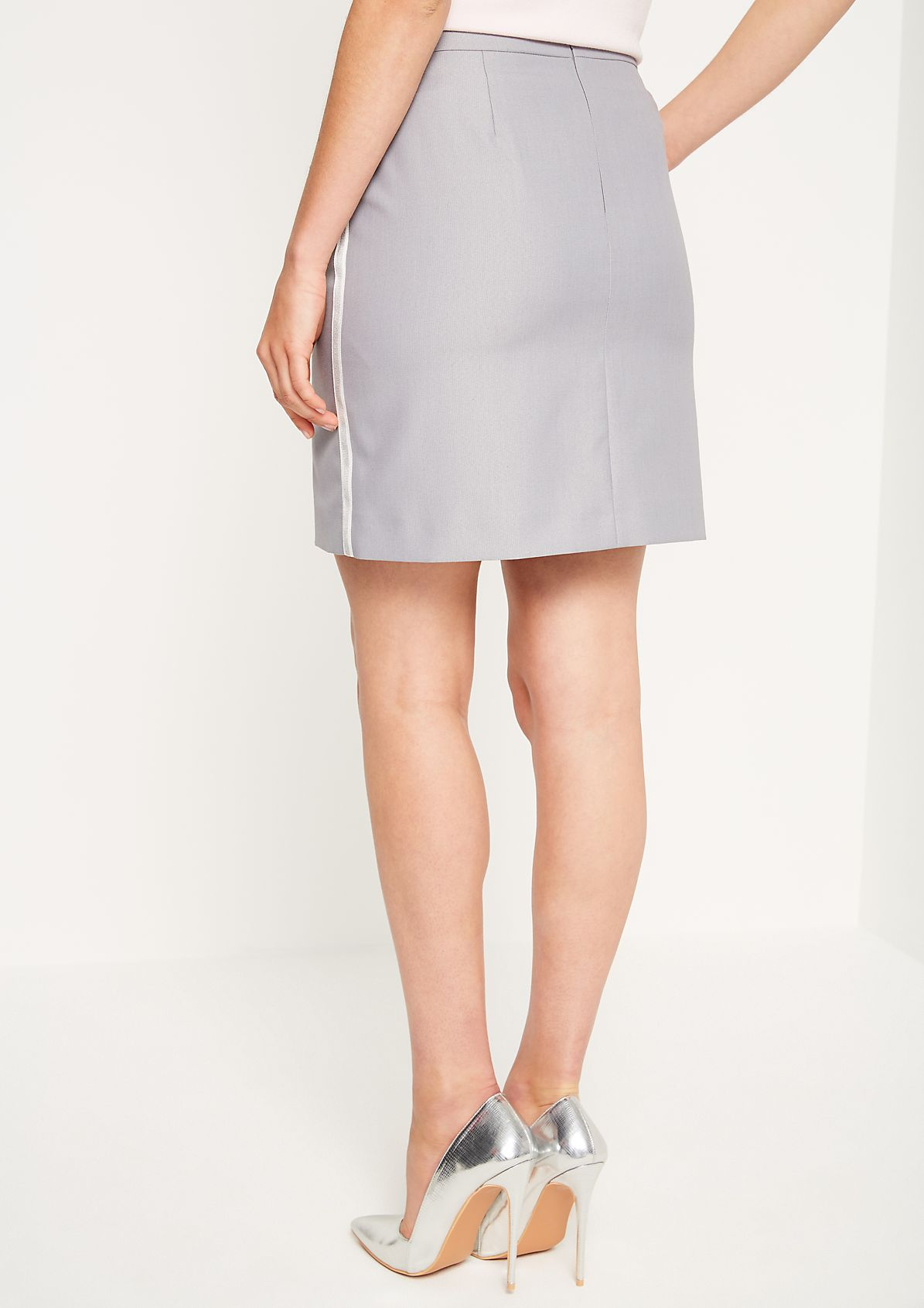Short skirt with side stripes from comma