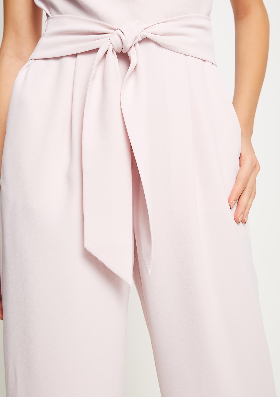 Business-Jumpsuit aus leichtem Krepp