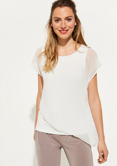 Delicate chiffon top with an asymmetric cut from comma