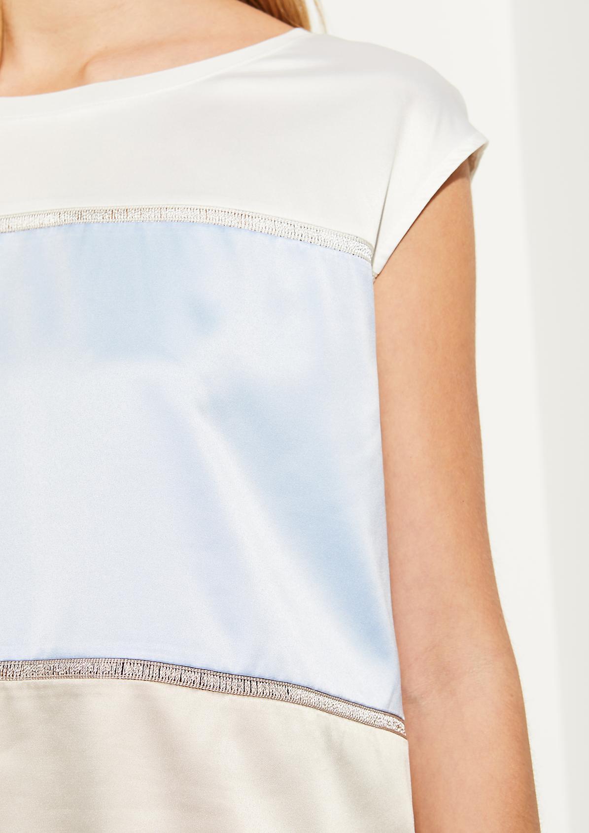 Shirt im aufregenden Materialmix
