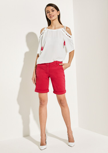 Summery shorts with smart details from comma