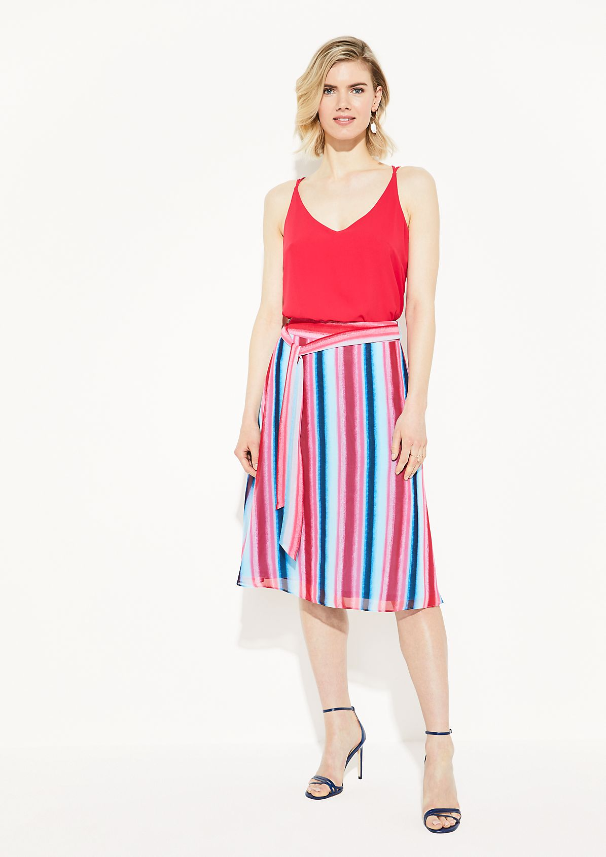 Delicate crêpe skirt with a decorative pattern from comma