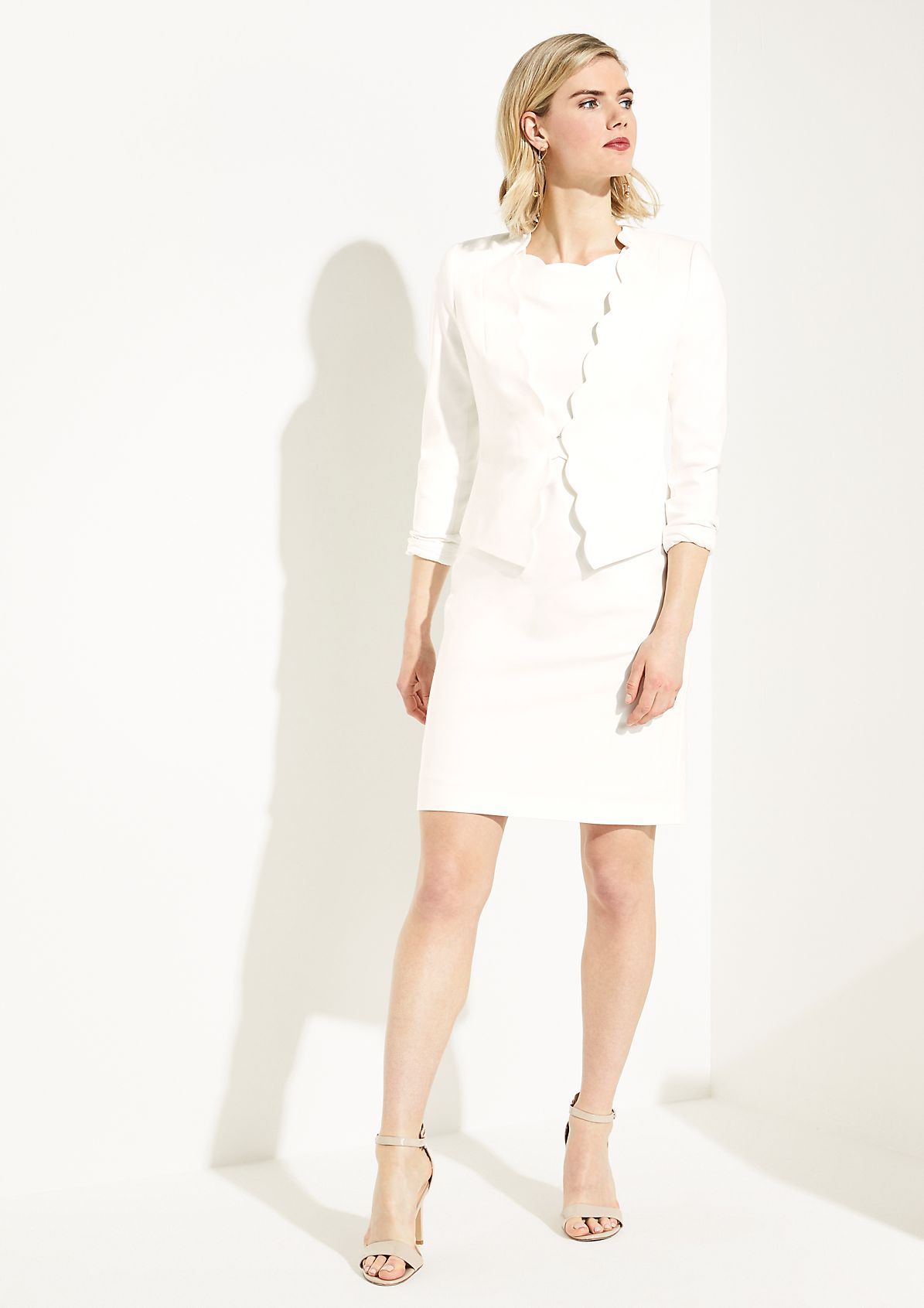 Shift dress with decorative details from comma