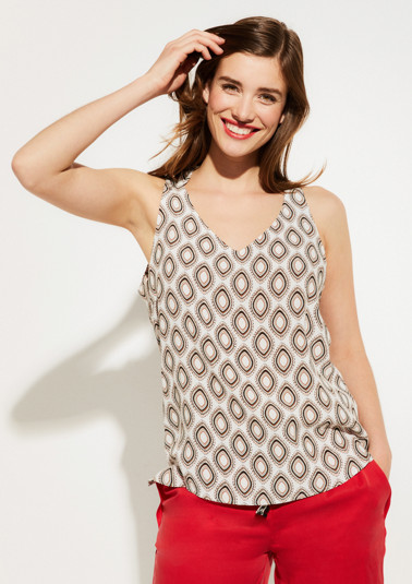 Crêpe top with an artistic all-over pattern from comma