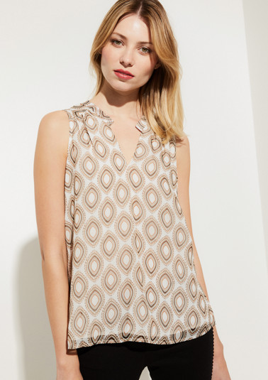 Delicate chiffon top with an all-over pattern from comma