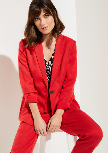 Summer blazer with sophisticated details from comma