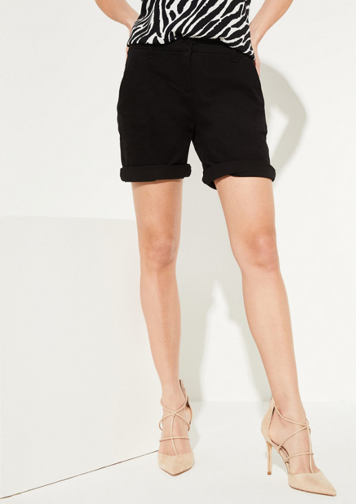Shorts with turn-ups on the leg openings from comma